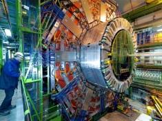 Stando ai nuovi dati del CERN qualcosa nella nostra fisica non quadra