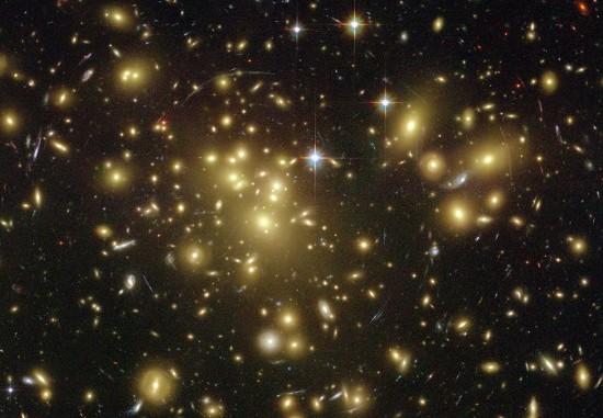 Come Interagisce la Materia Oscura con il Corpo Umano?