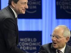 Il governatore Bce, Mario Draghi, e il suo grande critico tedesco, Wolfgang Schaeuble