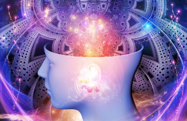 Un astronomo afferma che i fenomeni spirituali hanno origine in altre dimensioni della realtà
