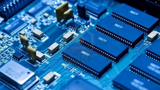 """Il termine """"elettronica"""", che comunemente associamo a elettricità, è nato all'inizio del nostro secolo in seguito all'invenzione di alcuni dispositivi"""