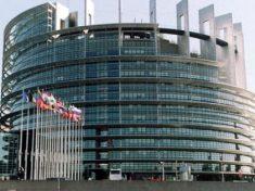 Roaming in Europa, come cambiano le tariffe degli operatori telefonici