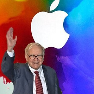 Buffett punta sull'hi tech e investe in Apple e Yahoo