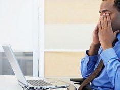 Mal di testa e vista offuscata: è la sindrome da pc. A rischio 70milioni di persone