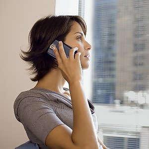 Usare il cellulare fa male al braccio. Parola di neurologo