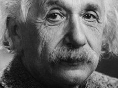 Le domande aperte della relatività