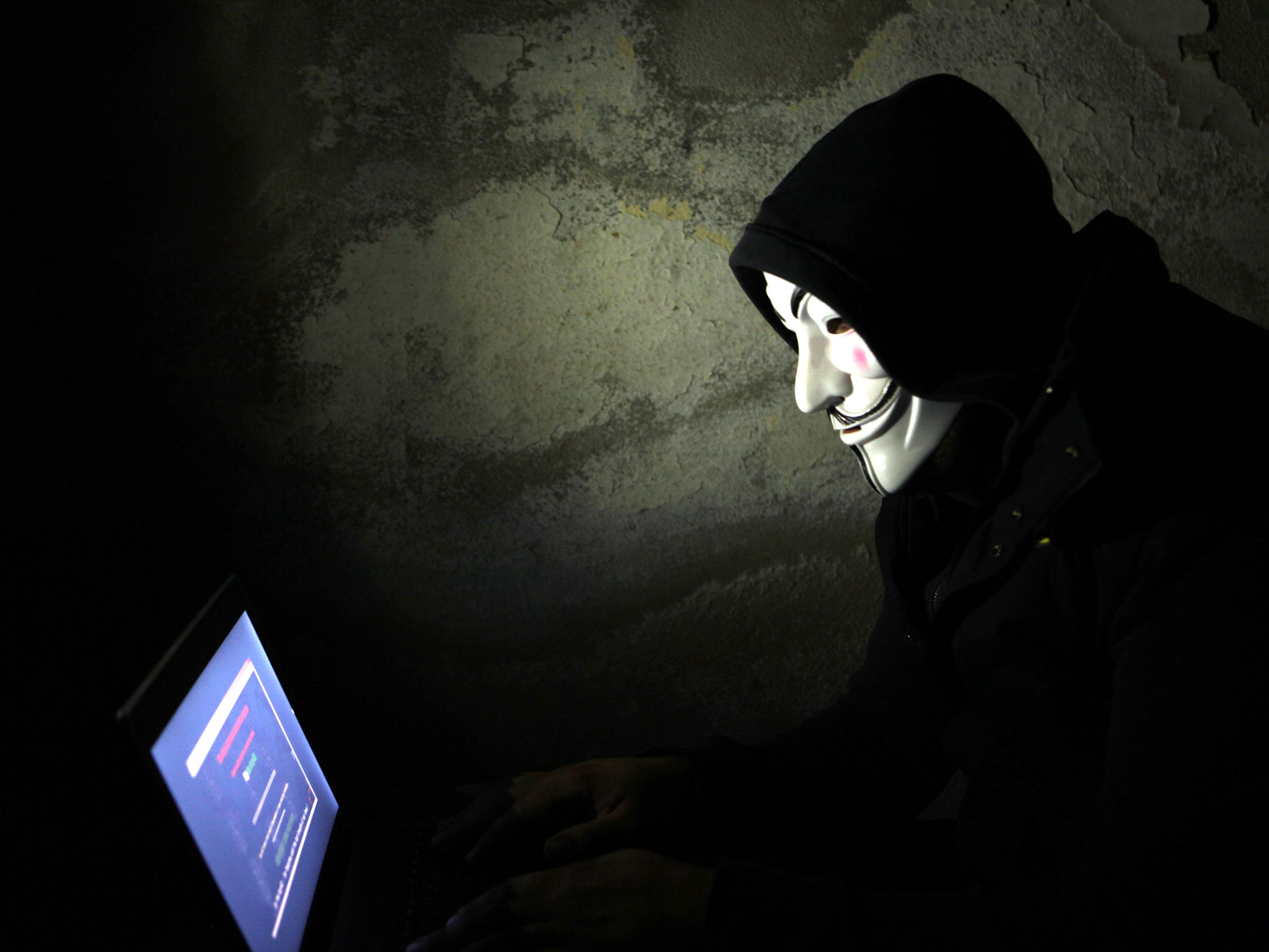 Terrorismo, la rete criptata: così la cyber-jihad comunica con i lupi solitari in Europa