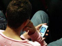 Sos cellulare, rischi dalle telefonate troppo lunghe