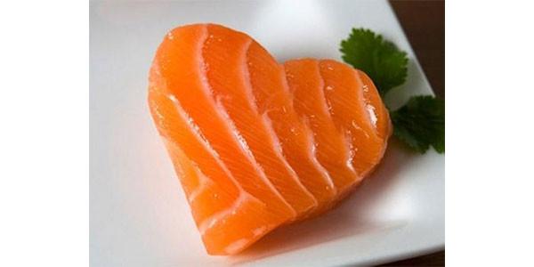 Per vivere di più occorre mangiare oli, semi, soia e salmone