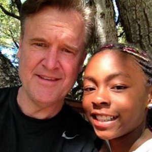"""""""Ho una figlia nera e ho scoperto di avere pregiudizi"""": la confessione dell'anchorman"""