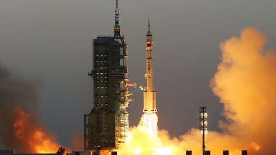 La Cina scommette sullo spazio: lanciata la navicella Shenzhou-11
