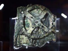 La macchina di Anticitera è un computer astronomico di 2000 anni fa