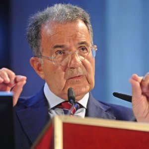 """Prodi e Brexit: """"L'incertezza sta sputtanando l'Europa in tutto il mondo"""""""