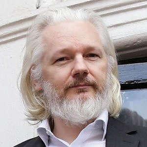 Nbc: hacker Usa nella rete del Cremlino. Ap: Melania Trump immigrata irregolare