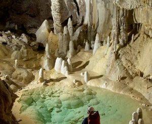 Il superbatterio trovato in una grotta che svela i segreti dell'antibiotico-resistenza