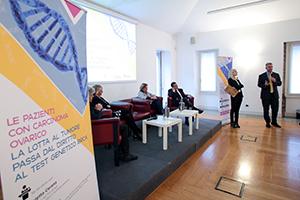 Le pazienti chiedono di accedere al test genetico BRCA per il tumore ovarico