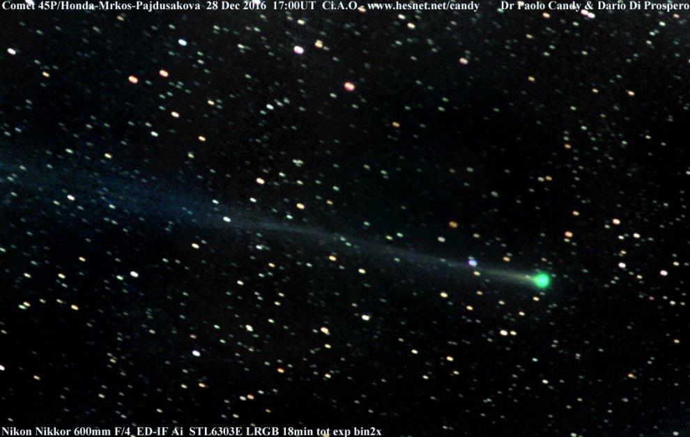 """La """"cometa di capodanno"""", sguardo all'orizzonte dopo il tramonto"""