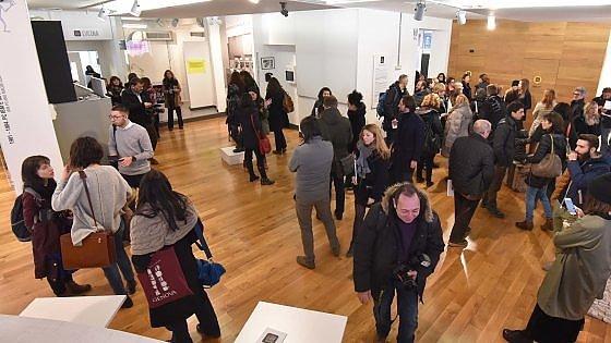 """A Torino si sperimenta la """"Scuola possibile"""" senza banchi, voti e compiti a casa"""