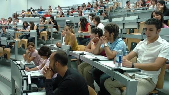 Sono i liceali che vanno all'università, trovano lavoro con stages in azienda o estero