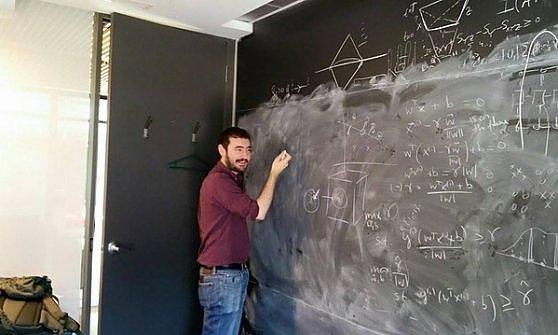 La meccanica quantistica è troppo difficile per l'intelligenza umana. Ora arriva quella artificiale
