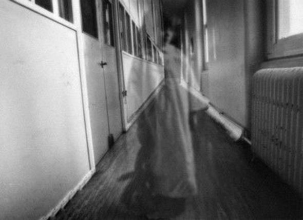 L' LHC dimostra che i fantasmi non possono esistere.