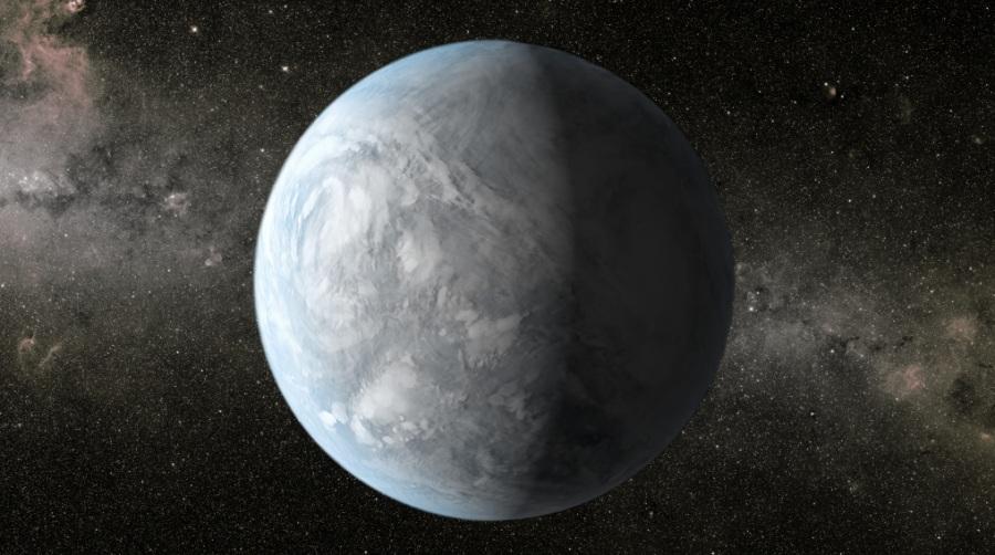 KEPLER 62E E 62F (ESI=0.83 E 0.67). Trovati da Kepler nel 2013, questi due pianeti orbitano una stella più fredda del Sole a circa 1200 anni luce dalla Terra. Hanno un raggio pari a circa 1,6 e 1,4 volte quello terrestre e un periodo orbitale di 122 e 267 giorni. Cadono entrambi nella zona abitabile della loro stella e hanno probabilmente, in entrambi i casi, una massa pari a 30 volte quella terrestre. Le temperature stimate permettono la presenza di acqua liquida sulla loro superficie (ma dipende dalle condizioni atmosferiche). Qui una rappresentazione artistica di Kepler 62e.| NASA