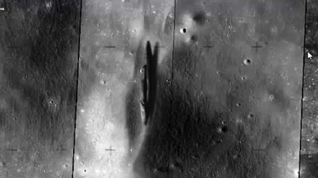 L'Astronave Aliena dell'Apollo 20 sul Delporte Crater visibile su Google Earth-Moon