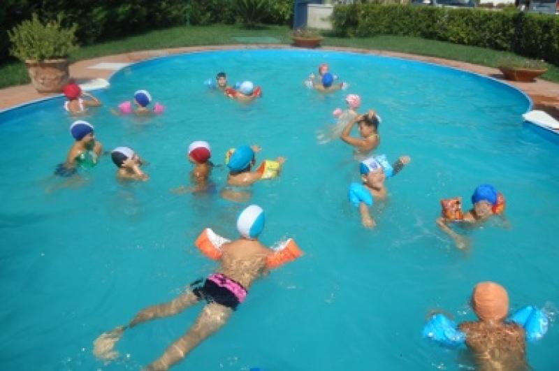 Un test per rilevare quanta pipì c'è nelle piscine