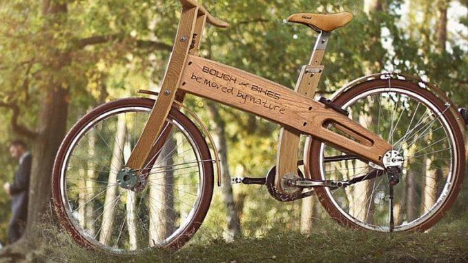 Il giro d'Italia in bicicletta con uno spettacolo sull'ambiente