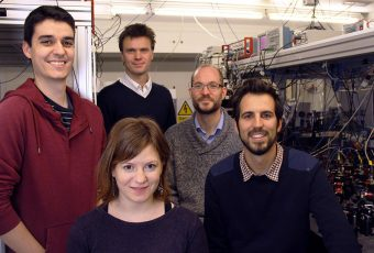 Il team protagonista dello studio. Da sinistra: Ferran Martin Ciurana, Lorena Bianchet, Rob Sewell, Morgan W. Mitchell e Giorgio Colangelo. Crediti: Icfo