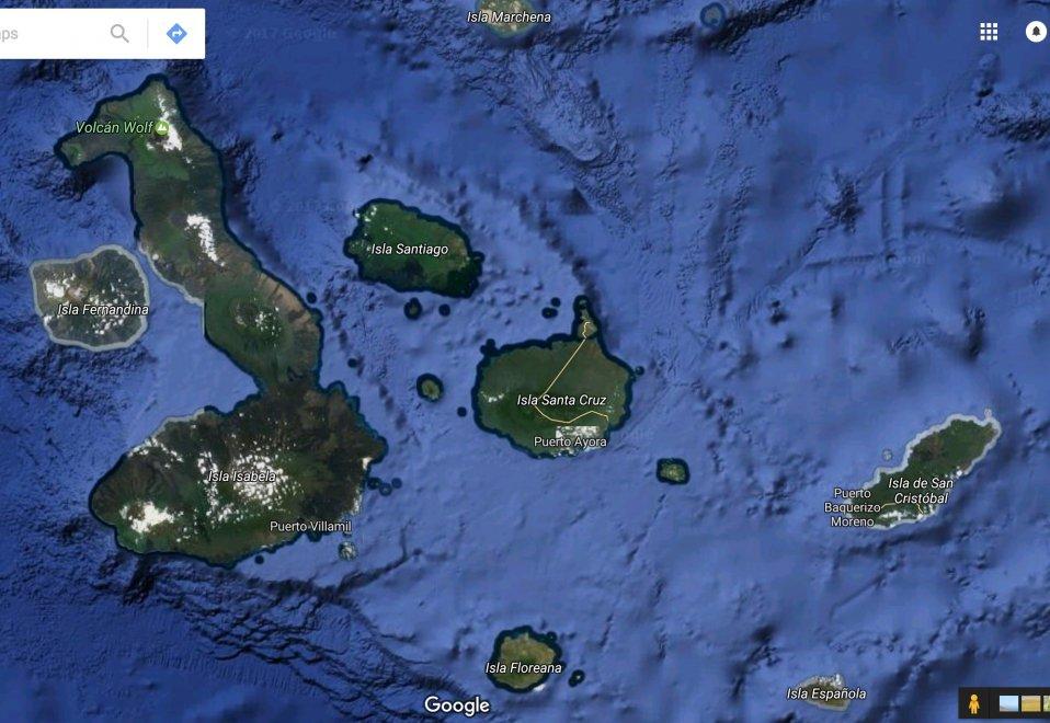 L'arcipelago delle Galápagos, noto anche come Arcipelago di Colombo, appartiene all'Ecuador e comprende 13 isole vulcaniche (sette maggiori e sei minori) situate nell'Oceano Pacifico, a circa mille chilometri dalla costa occidentale dell'America del Sud. L'isola più grande è Isabela. Grazie al relativo isolamento dovuto alla distanza dal continente e all'ampia varietà di climi e di habitat dovuta alle correnti marine della zona, le isole hanno ispirato Charles Darwin che ha potuto studiare l'evoluzione di numerose specie endemiche di animali e vegetali. Nel 1959 il governo ecuadoriano dichiarò parco nazionale gran parte dell'area. Negli ultimi quarant'anni il numero delle tartarughe che popolano l'Isla Espanola è cresciuto grazie a Diego, esemplare maschio che dal 1977 a oggi ha messo al mondo ben 350 esemplari (c'è chi dice perfino 800) salvando, grazie al suo appetito, le sorti della Chelonoidis hoodensis, la sua specie, che già si era incamminata sulla strada dell'estinzione.