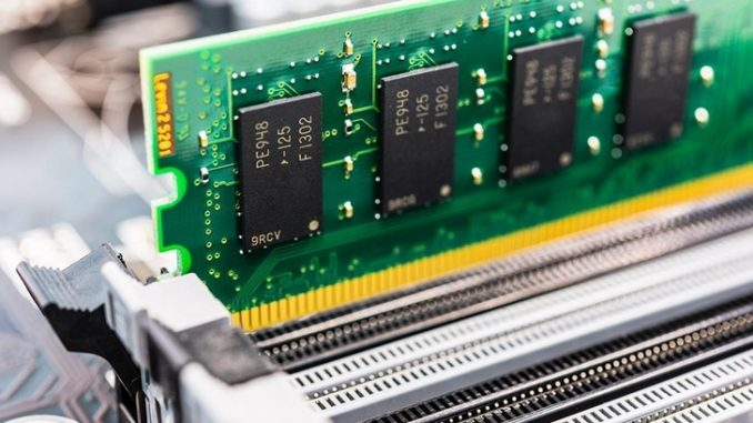 Nuova memoria LI-RAM usa la luce per le informazioni
