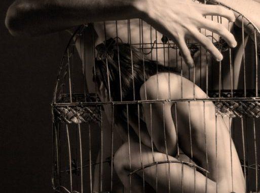 Tattiche Manipolatorie di Sociopatici e Narcisisti