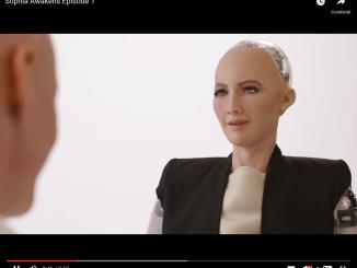 Sophia, il primo robot dialogante con intelligenza artificiale