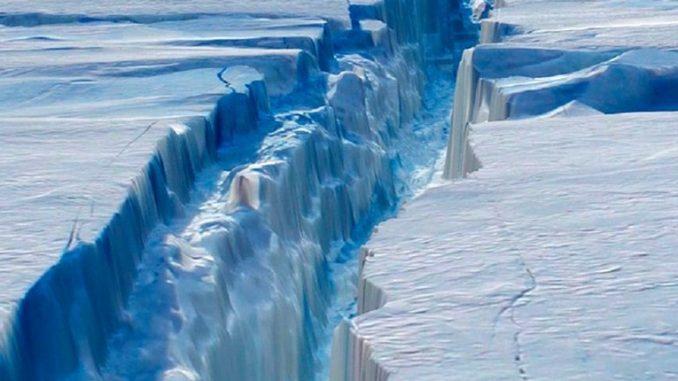 Si è staccato il super iceberg di Larsen C