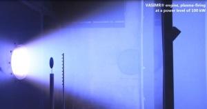 Test di laboratorio di un propulsore VASIMR.