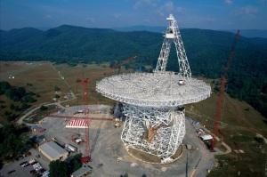 Il Green Bank Radio Telescope: nei prossimi giorni si metterà all'ascolto di Oumuamua.