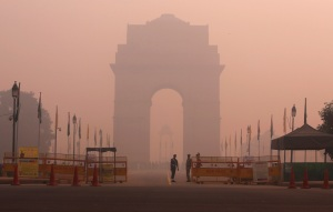 Strade deserte e luce irreale: cartoline da Nuova Delhi.| ADNAN ABIDI/REUTERS