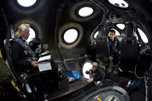 Personale a bordo del VSS Unity, che può portare fino a sei persone. | Virgin Galactic
