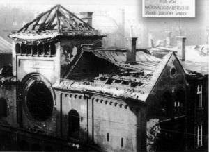 La sinagoga di Monaco, distrutta durante la Notte dei cristalli. I morti nella notte dei cristalli furono circa 1.300: oltre 30.000 persone finirono nei campi di concentramento (rilasciati i mesi successivi) e di loro ne morirono 700.