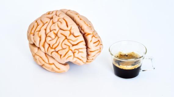 Chi consuma caffè regolarmente è in genere più protetto dalle malattie neurodegenerative. | Shutterstock