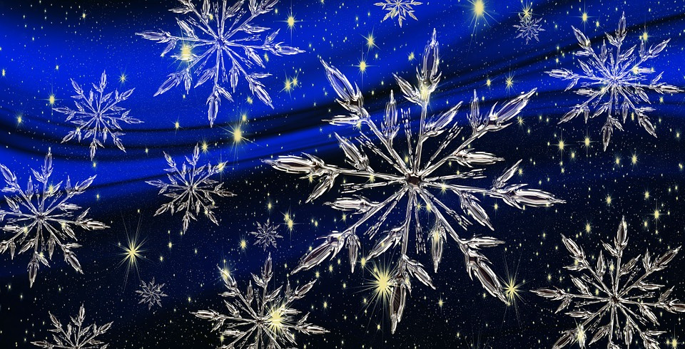 Fiocchi di neve dall'auto-assemblamento dei cristalli complessi