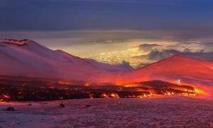vulcani, vulcanologia, Etna, magmi, lave, eruzioni vulcaniche, tettonica, geologia