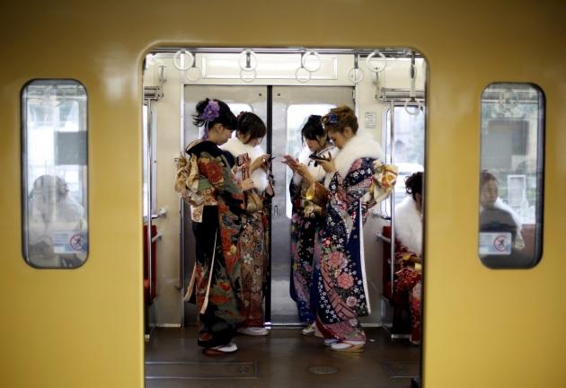 Tradizione, modernità e tutte le sfumature intermedie. REUTERS/YUYA SHINO