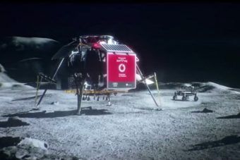 "Un fotogramma da YouTube del teaser di Vodafone ""4G Mission to the Moon""."