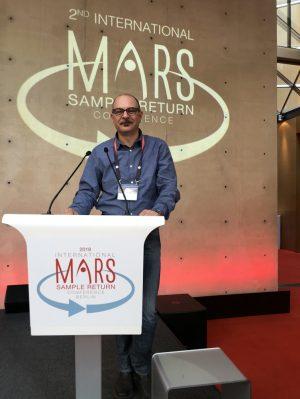 L'autore di questo articolo, John Robert Brucato, astrofisico all'Inaf di Firenze, partecipa al congresso di Berlino presentando il progetto H2020 Euro-Cares