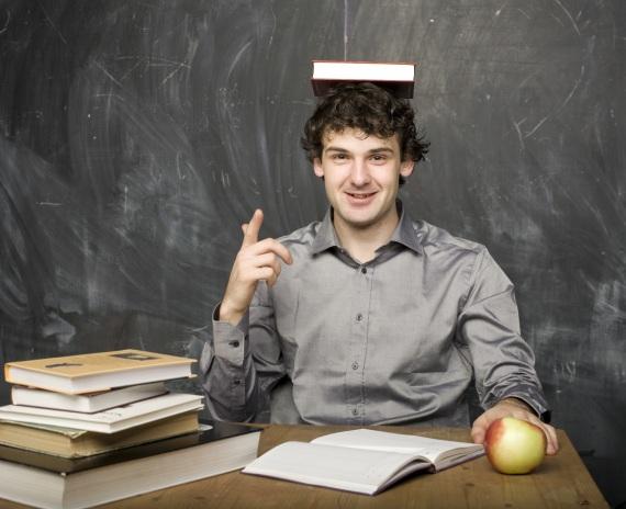 La notte prima degli esami... meglio dormire. Lo dice anche la scienza. | YunYulia/Thinkstock