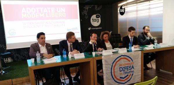 La campagna Modem Libero porta avanti ormai da di tempo diverse iniziative a livello istituzionale, quindi di Parlamento italiano o nelle sedi europee, o di sensibilizzazione nei confronti degli utenti.