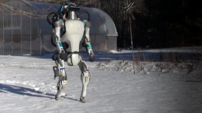 Nuovi robots camminano e salgono le scale senza problemi