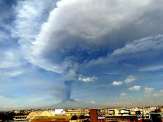 Torna ad attivarsi il vulcano Etna in Sicilia